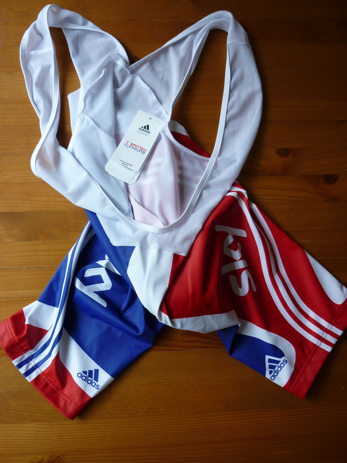 GREAT BRITAIN CYCLING   SKY BIB SHORTS MEDIUM (size 3) BRAND NEW WITH TAGS  gorgeous