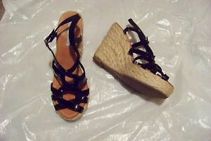 womens-lovely-people-black-leather-strappy-wedge-heels-shoes-size-10