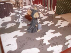 Ghost of Christmas Present Mouse 6006554 Tails with Heart Dickens Enesco Carol
