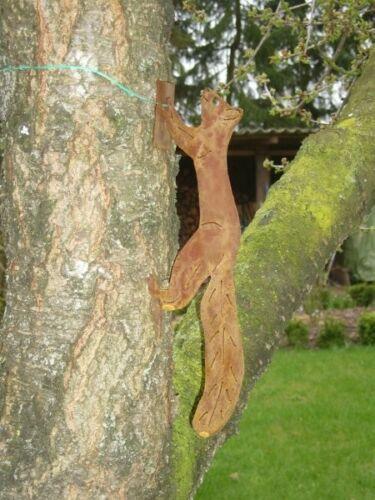 Eichhörnchen laufend mit Baumbefestigung Gartendeko Metall Edelrost Stecker