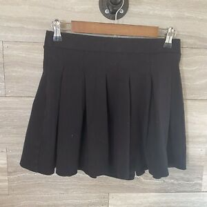 AMERICAN-EAGLE-OUTFITTERS-Black-Pleated-Mini-Skirt-Size-Small