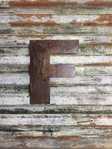 Signo de letras F industrial Rusty letras de metal frontal de tienda casa fuente de 12 pulgadas