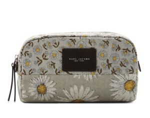 Marc-Jacobs-Cosmetic-Bag-Daisy-Large-Pouch-NEW