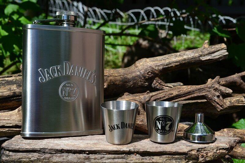 Jack Daniels 6 Oz Hip Flask Shot Glass Funnel Set