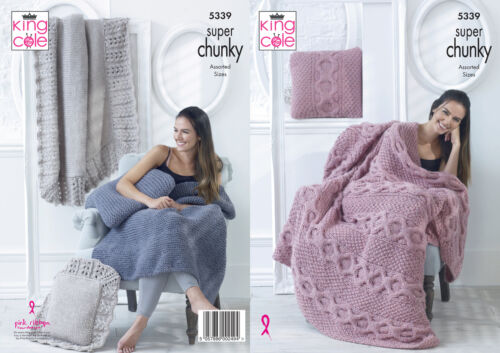 King Cole Super Chunky Knitting Pattern Jarretière Câble dentelle coussin /& couverture 5339