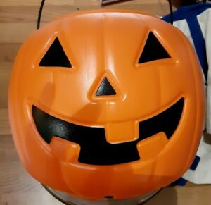 Halloween-Pumpkin-Trick-or-Treat-Candy-Bucket-Pail-Plastic-Blow-Mold-8-inch-new