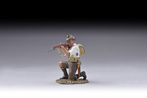 THOMAS-GUNN-GW056B-WWI-Gallipoli-Aussie-Kneeling-White-Shirt-Age-14