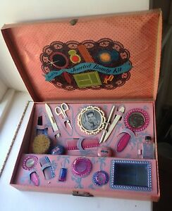 VINTAGE SMALL FRY BEAUTY KIT PLAY MAKEUP CHILDS DANA ANDREWS PRESSMAN TOY CORP