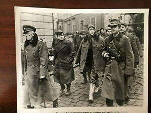 Slaughterhouse Five Kurt Vonnegut 1971 Michael Sacks Movie Press Photo WW2 POWS