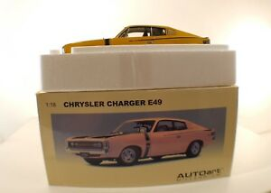Autoart-n-71504-Chrysler-Charger-E49-Sunfire-1-18-neuf-boite-boxed-mint-RARE