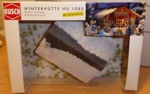 Busch-1085-H0-Winterhuette-Holzhuette-beschneit-mit-Beleuchtung-Weihnachtsmarkt