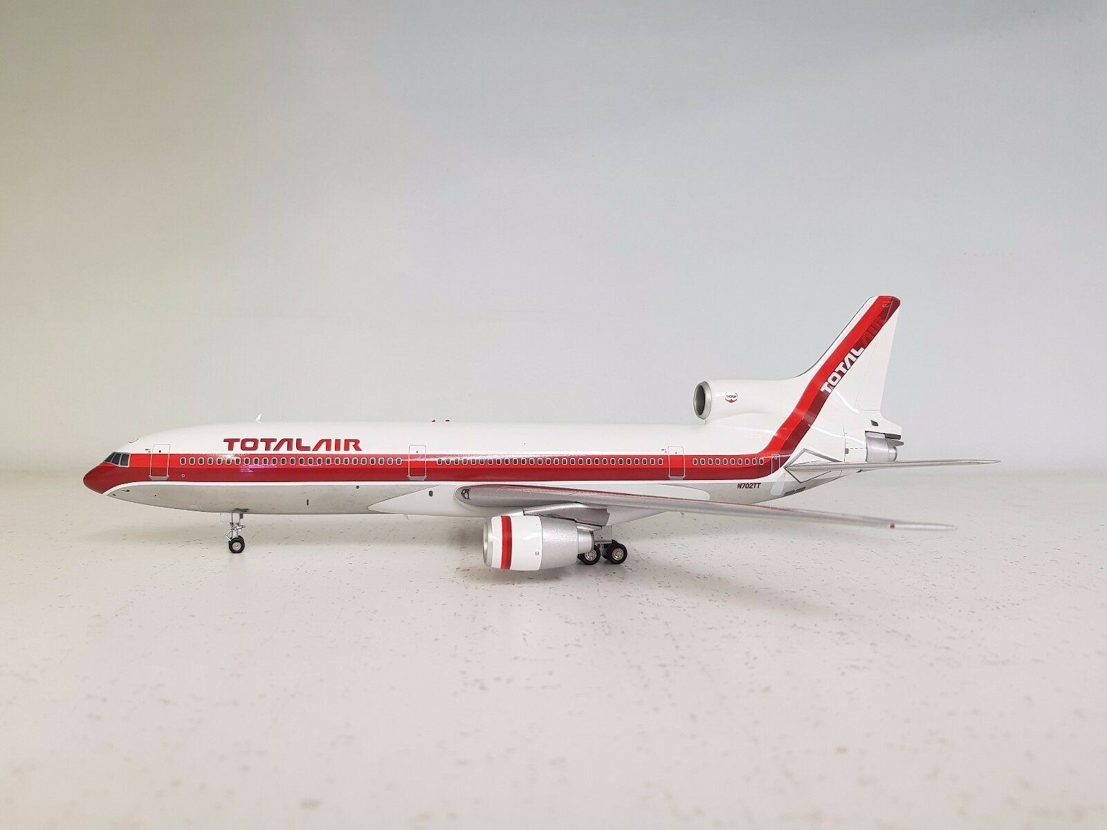 InFlight 1 200 L-1011 Tristar Totale Air N702TT Rif.  IF10110417B (con supporto)