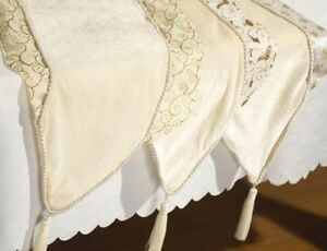 Ivory-amp-Gold-Table-Runner-Christmas-Decoration-6373