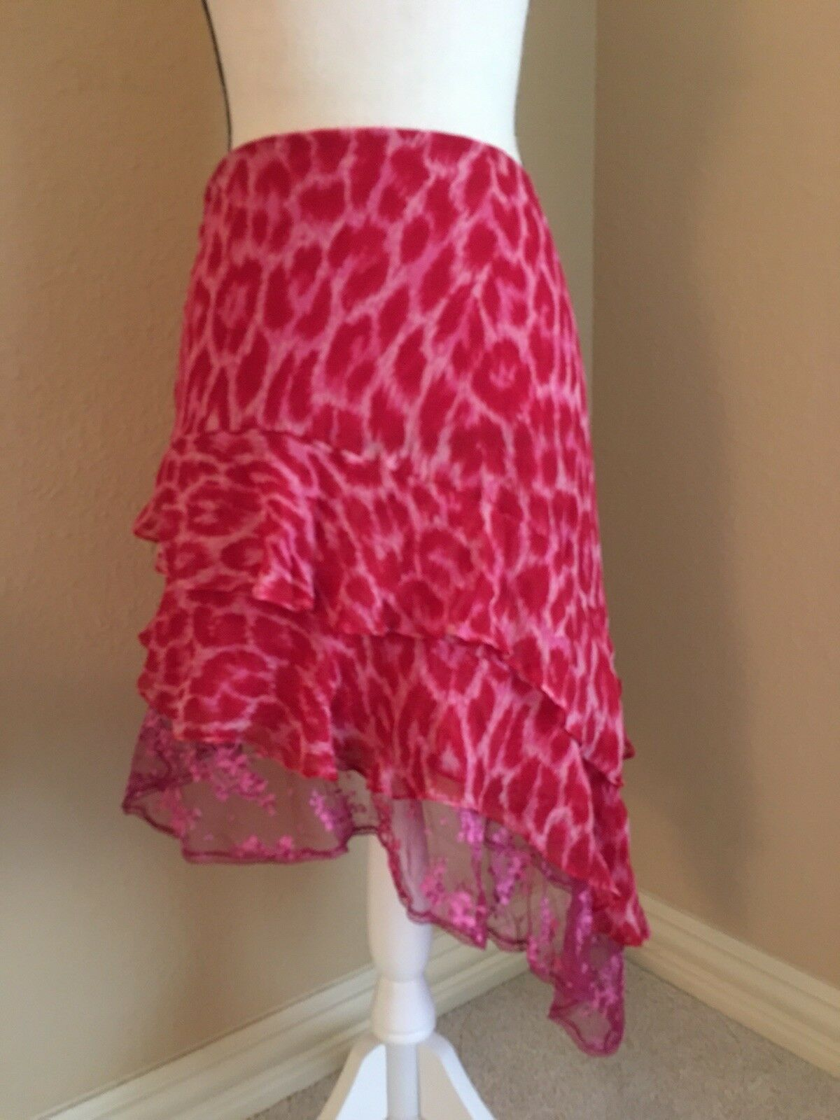 Betsey Johnson- Skirt Pink   Red Animal Print Size 6 Hi Lo