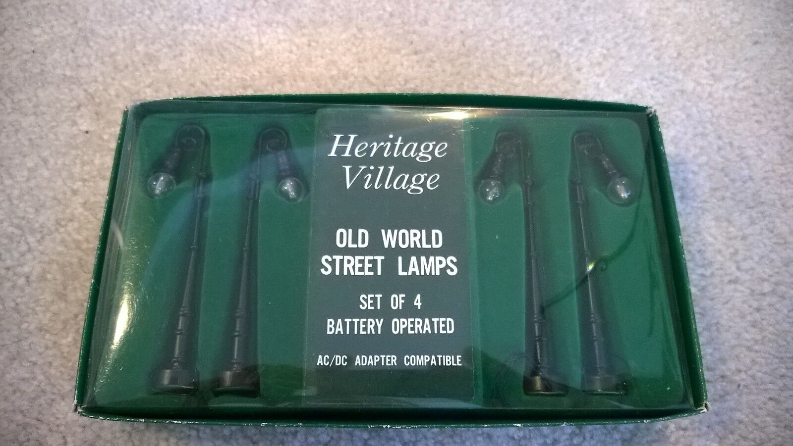HO Scale 4 Old world street Lamps -   EA0-9010