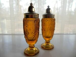 Tiara-Indiana-Glass-Amber-Sandwich-Salt-Pepper-Shaker-Set-Gold-Tone-Plastic-Tops