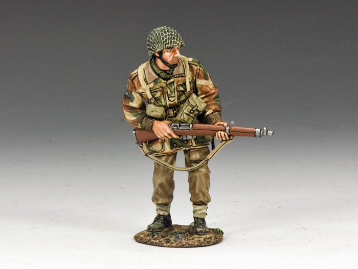 KING AND COUNTRY Paratrooper Advancing with Rifle MG037(P) MG37(P)