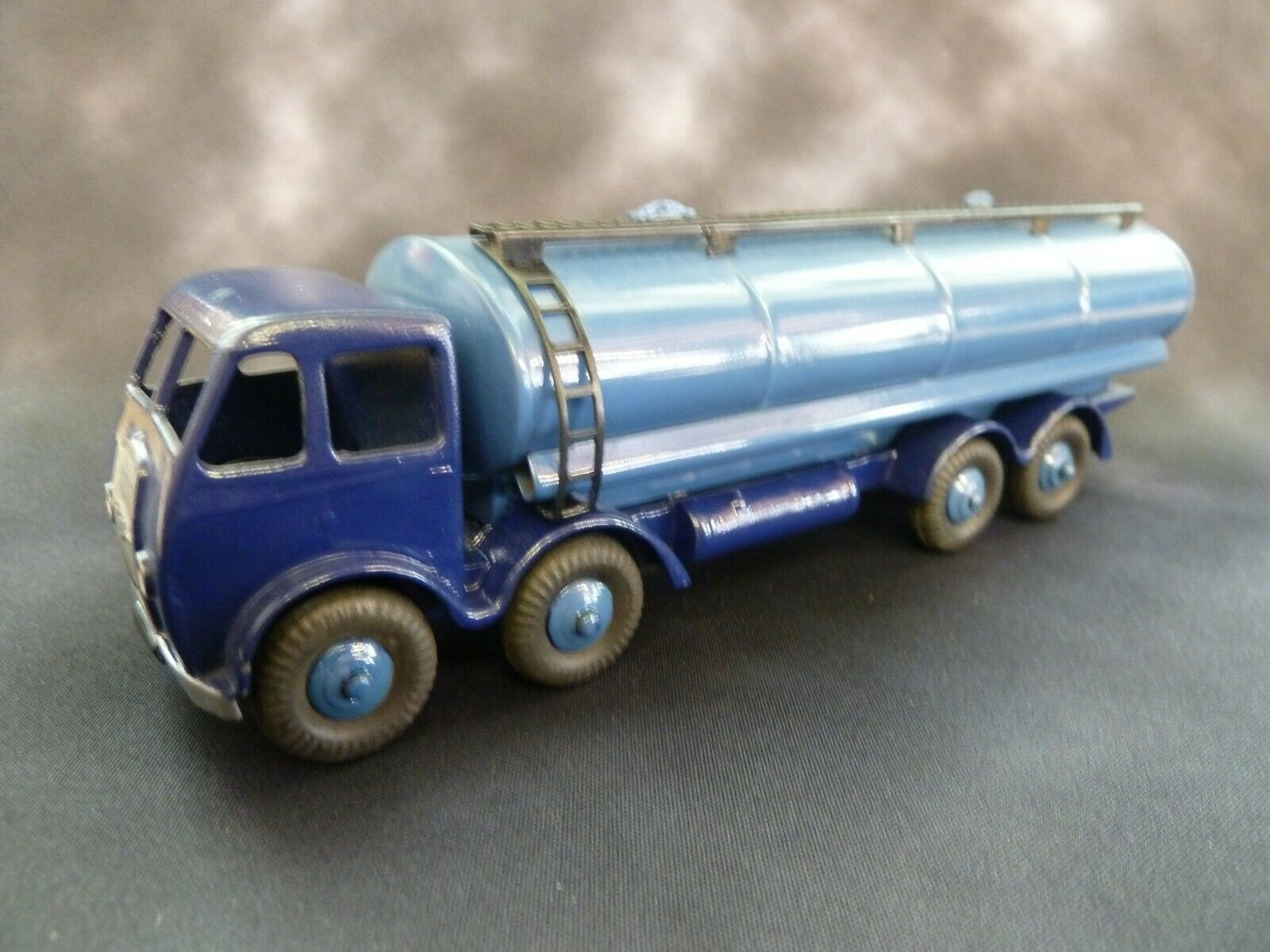 DINKY SUPERTOYS FODEN 14 TON TANKER LORRY 1ST TYPE CAB ORIGINAL DIECAST A
