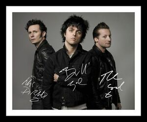 GREEN DAY AUTOGRAPHED SIGNED /& FRAMED PP POSTER PHOTO