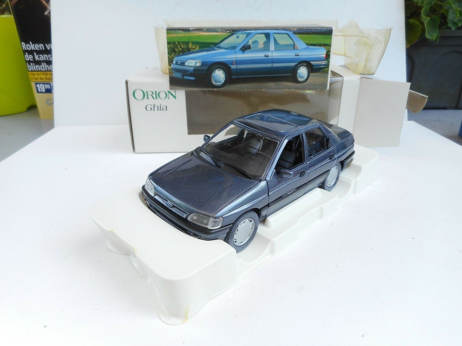 SCHABAK 10020 FORD ORION GHIA GERMANY     1 24 - GOOD CONDITION IN BOX efe015