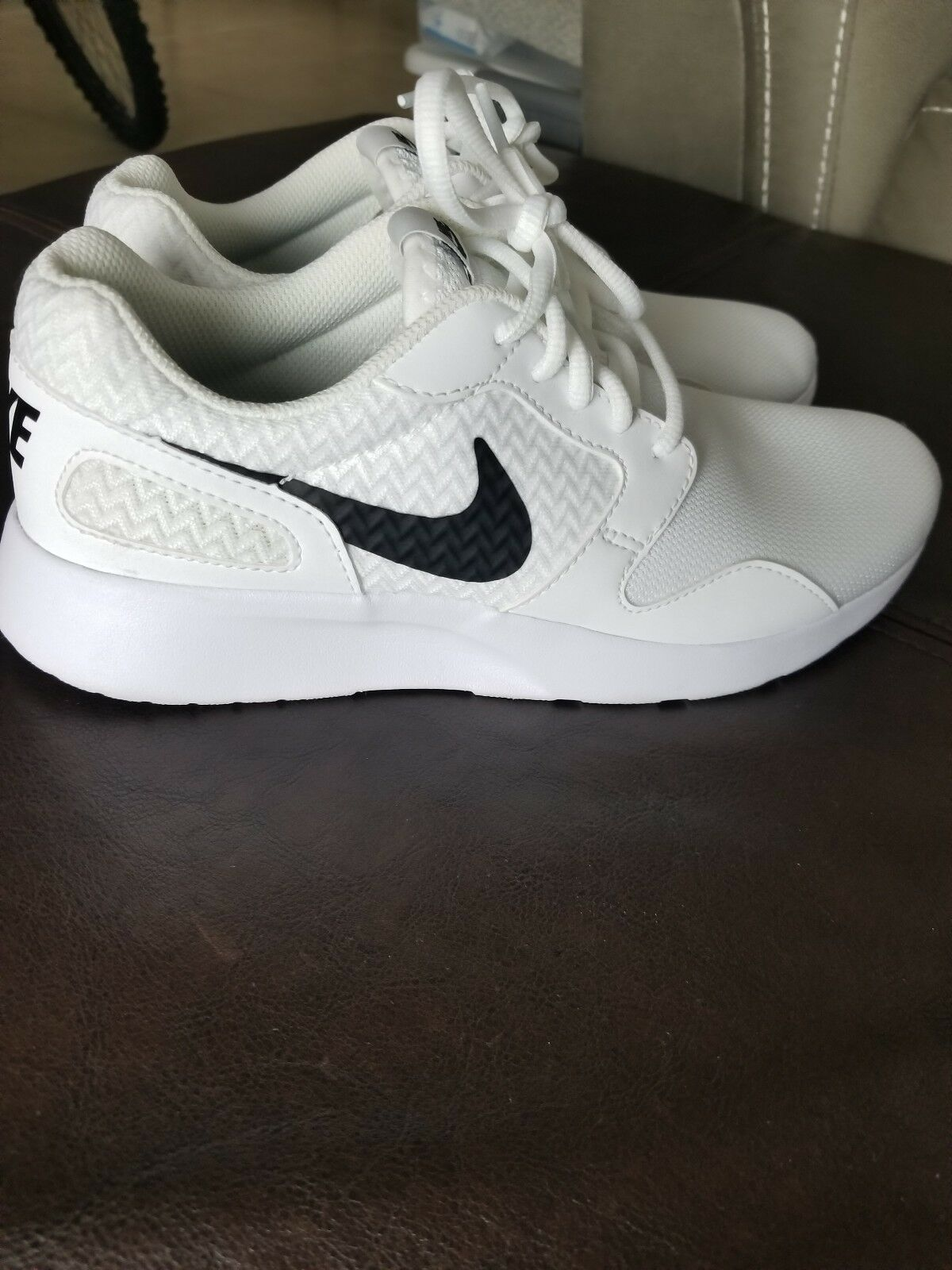 Nike Air Kaishi Trainers Trainers Trainers White Black 654845-103 Womens Sneaker shoes Size 7 67a6f8
