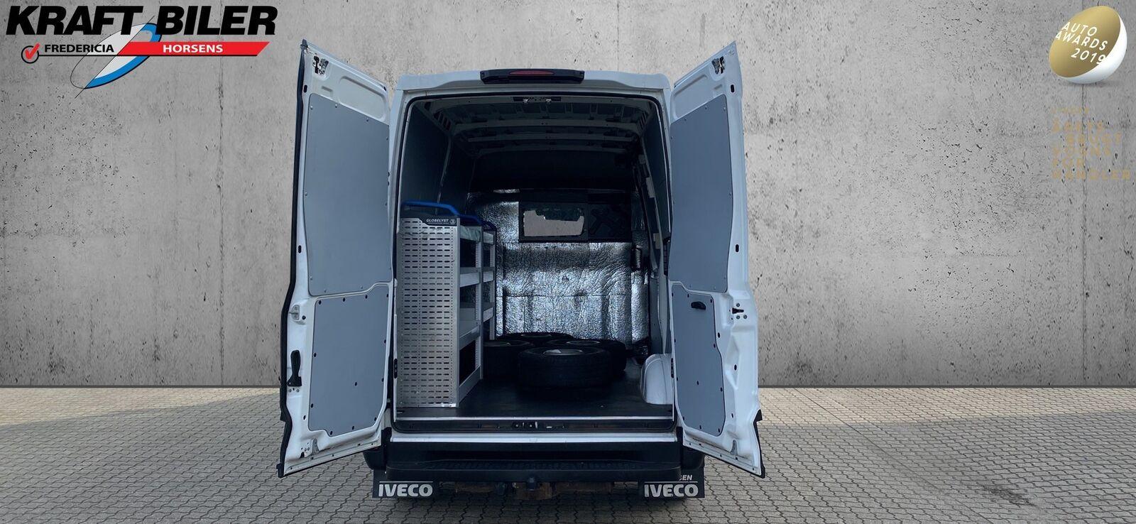 Billede af Iveco Daily 2,3 35S15 10,2m³ Van