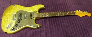 SQUIRE Stratocaster Yellow Gold Sparkle Very Cool ))) LOOK (((