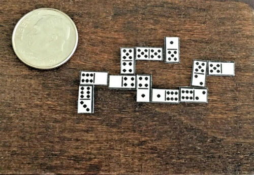 Dollhouse Miniature Game of Dominoes Comes with Board and Complete Set 1:12