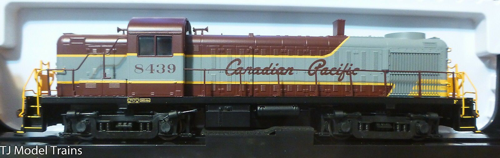 Atlas HO  10001953  Rd  8439  Canadian Pacific RS-3 Locomotive  DCC