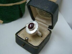 GORGEOUS-SOLID-STERLING-SILVER-ALMANDINE-GARNET-LOCKET-PILL-POISON-RING-SIZE-Q-8