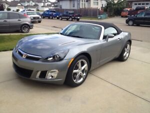 SPORTY SATURN SKY REDLINE CONVERTIBLE