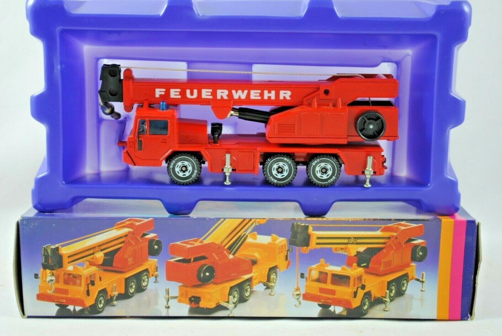 SIKU 2914 FAUN 3-Axle MOBILE CRANE w Siku Wheels in FEUERWEHR Livery MIB