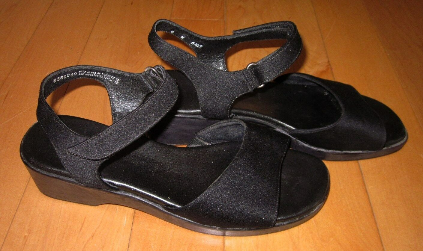 Munro Womens Black Strap Sandals 8.5 M