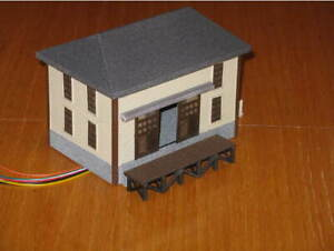 HO-Scale-Trackside-warehouse-3D-Printed-Gray-with-light-ready-hollow-interior