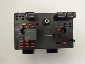 image is loading saturn-vue-22685685-junction-fuse-box-03-2-