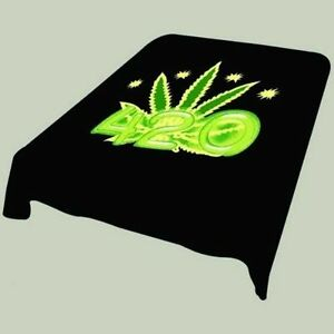Black And Green 420 Marijuana Leaf Soft Plush Mink Blanket