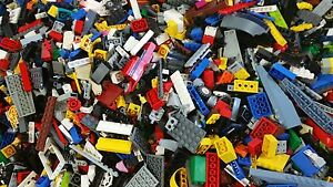 Clean-100-Genuine-LEGO-by-the-Pound-one-minifigure-included-with-each-pound