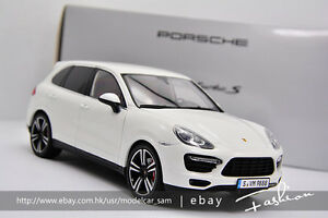 Minichamps 1 18 Porsche Cayenne Turbo S Suv White Ebay