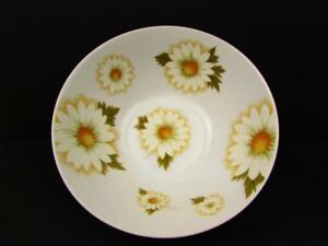Boyne-by-Mikasa-Soup-Bowl-Eclipse-White-Daisies-Green-Leaves-S8
