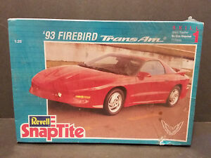Revell-Snaptite-039-93-Firebird-Trans-am-Sealed-Model-Kit