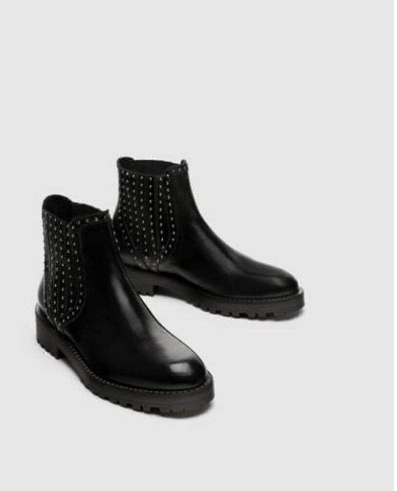 Zara Negro Cuero Chelsea Botas al Tobillo Con Tachuelas