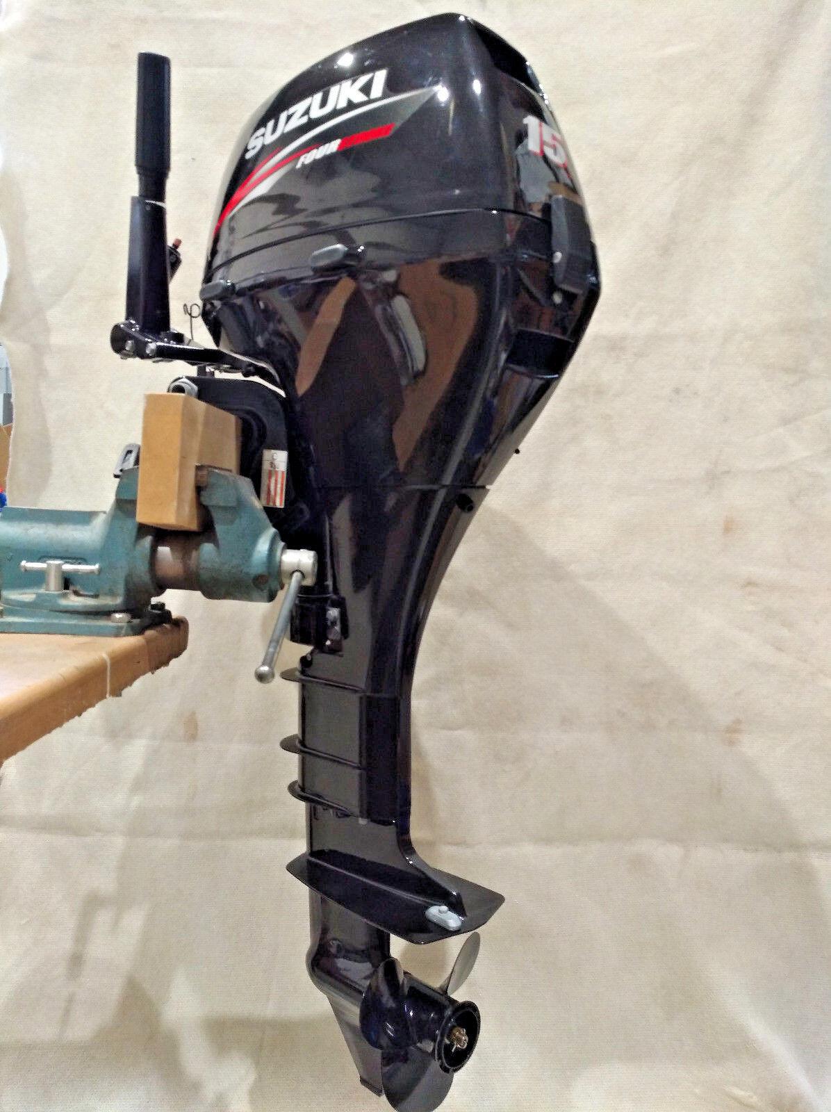 Außenborder unbenutzt, SUZUKI DF15, Neuwertig und unbenutzt, Außenborder mit Zubehör, Segel-,MotorStiefel de2885