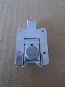 1 EA NOS HARTWELL FLUSH CATCH USED ON VARIOUS AIRCRAFT P/N: H4050-SK960