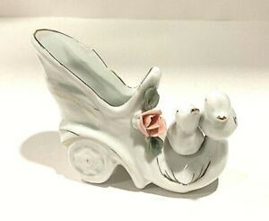 Vintage-Victorian-Small-Porcelain-Shoe-boot-Carriage-With-Doves