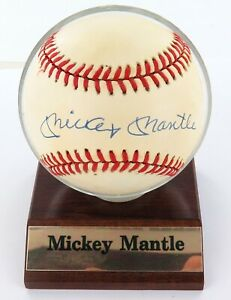 MICKEY-MANTLE-HAND-SIGNED-AUTOGRAPHED-RAWLINGS-RO-A-BASEBALL-100-GENUINE
