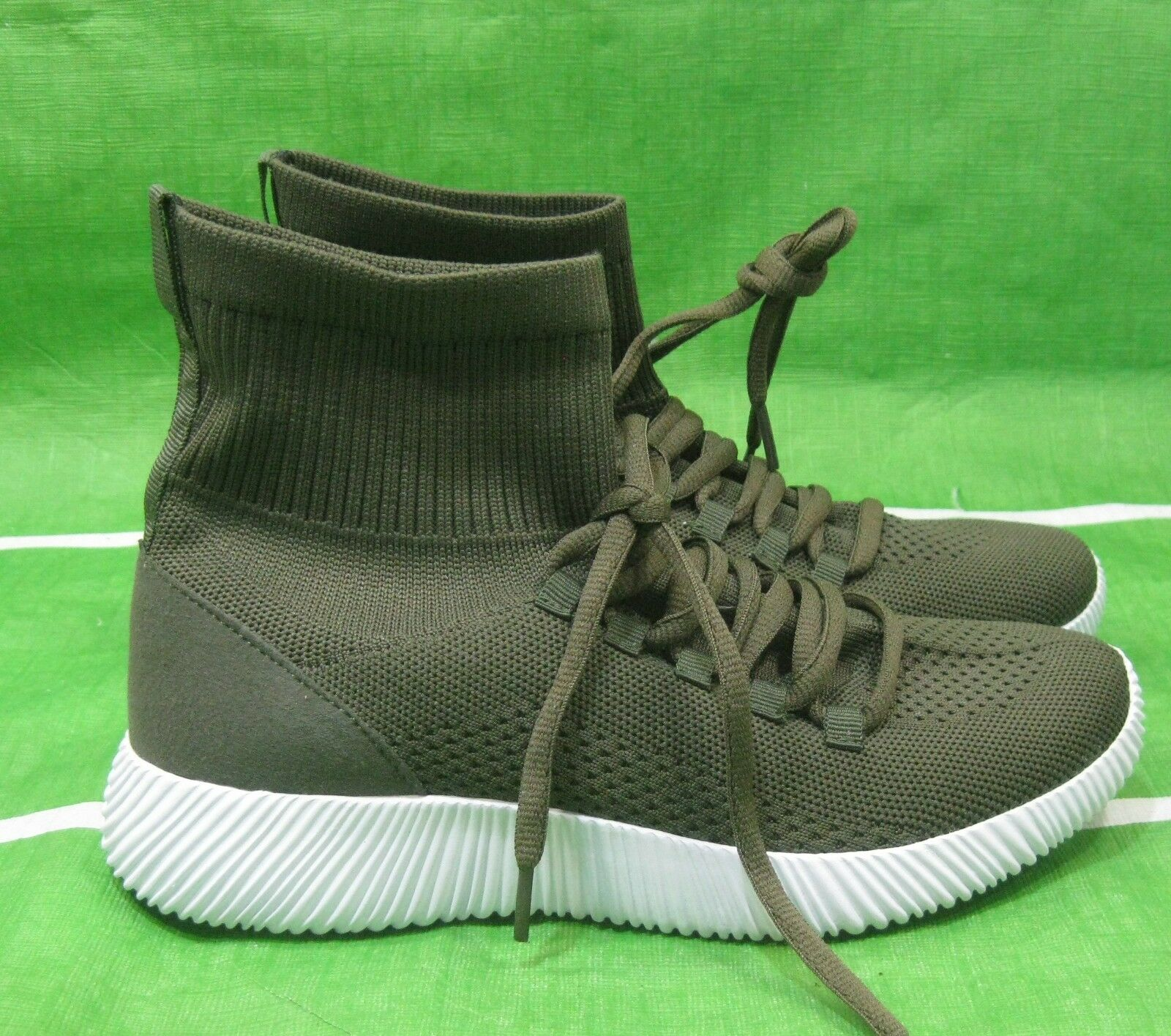 New OLIVE GREEN Women's Iva Sneaker SOFT breathable flexible sexy SHOES Size 6