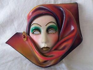 Maschera-Veneziana-artigianale-cuoio-e-ceramica-da-appendere-alla-parete-vintage