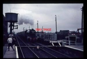 PHOTO-LNER-CLASS-A3-LOCO-FLYING-SCOTSMAN-AT-WORKSOP-1968