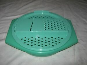 A-Vintage-TUPPERWARE-Jadite-Green-Cheese-Veggie-Grater-Shredder-Bowl