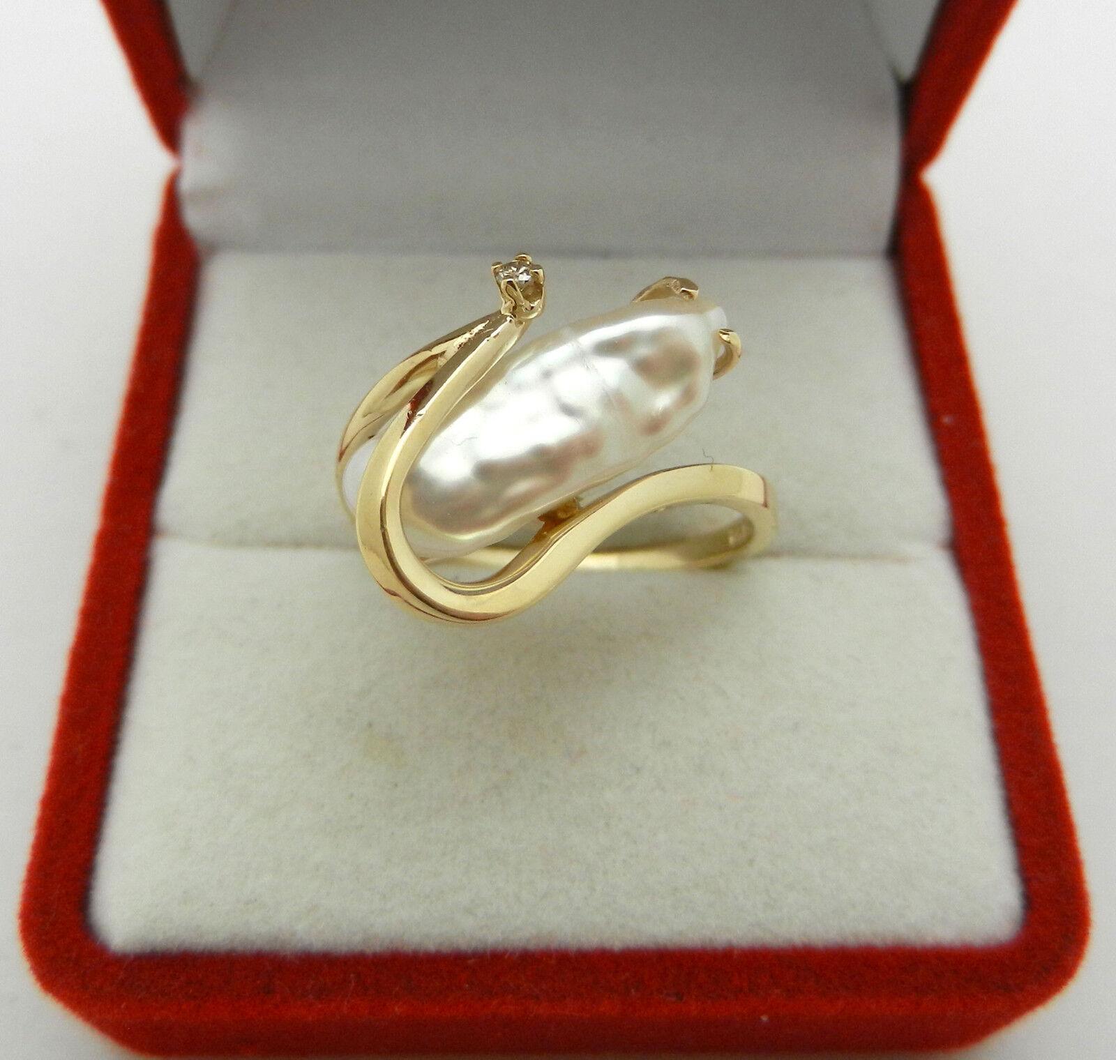 Estate 14K Yellow gold Oblong Biwa Pearl Ring Diamond Accent - Size 6